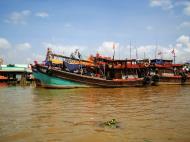 Asisbiz Mekong Delta Saigon river Vietnamese fishing boats Nov 2009 02