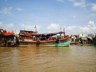 Asisbiz Mekong Delta Saigon river Vietnamese fishing boats Nov 2009 03