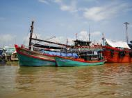 Asisbiz Mekong Delta Saigon river Vietnamese fishing boats Nov 2009 04