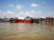Asisbiz Mekong Delta Saigon river Vietnamese fishing boats Nov 2009 07
