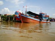Asisbiz Mekong Delta Saigon river Vietnamese fishing boats Nov 2009 14