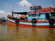 Asisbiz Mekong Delta Saigon river Vietnamese fishing boats Nov 2009 15