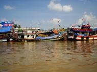 Asisbiz Mekong Delta Saigon river Vietnamese fishing boats Nov 2009 24