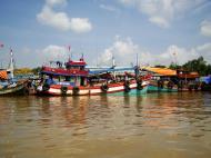 Asisbiz Mekong Delta Saigon river Vietnamese fishing boats Nov 2009 25