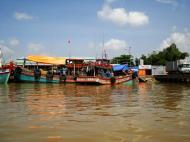 Asisbiz Mekong Delta Saigon river Vietnamese fishing boats Nov 2009 27