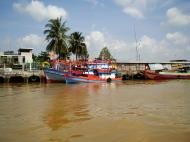 Asisbiz Mekong Delta Saigon river Vietnamese fishing boats Nov 2009 29