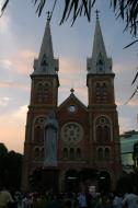 Asisbiz Vietnam Ho Chi Minh City Saigon Notre Dame Cathedral architecture Feb 2009 19