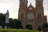 Asisbiz Vietnam Ho Chi Minh City Saigon Notre Dame Cathedral architecture Feb 2009 24