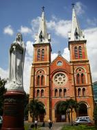 Asisbiz Vietnam Ho Chi Minh City Saigon Notre Dame Cathedral architecture Nov 2009 07
