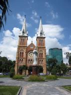 Asisbiz Vietnam Ho Chi Minh City Saigon Notre Dame Cathedral architecture Nov 2009 18
