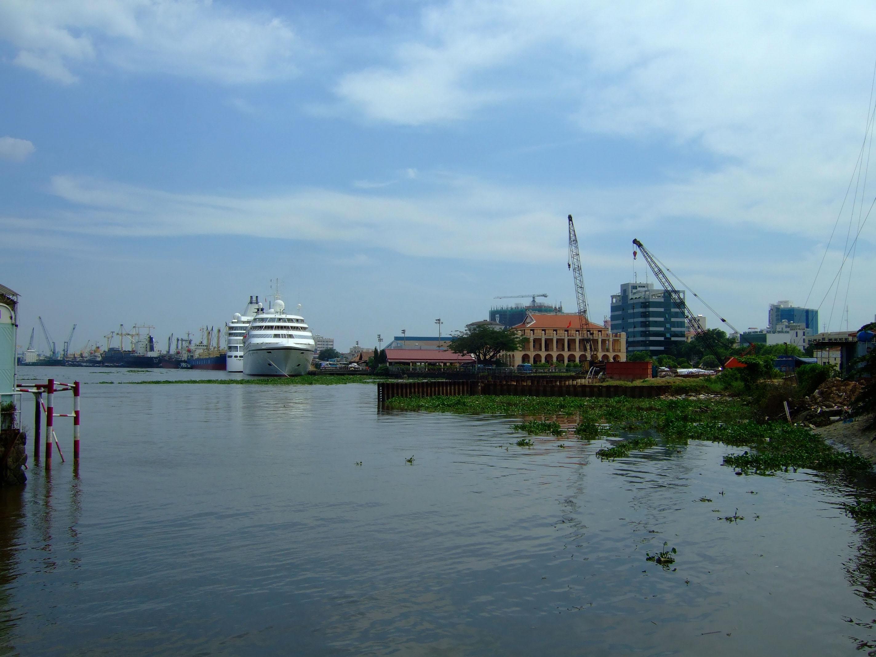 Vietnam Ho Chi Minh City Saigon harbor ships Feb 2009 03