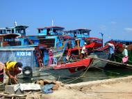 Asisbiz Vietnam Ho Chi Minh City Saigon harbor Ferries boats Feb 2009 20