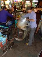 Asisbiz Vietnam Ho Chi Minh City Saigon Vietnamese Food Stalls Feb 2009 53