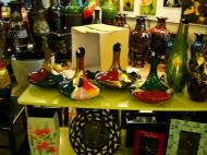 Asisbiz Vietnamese Lacquerware Vases Tay Son District 3 HCMC 2009 07