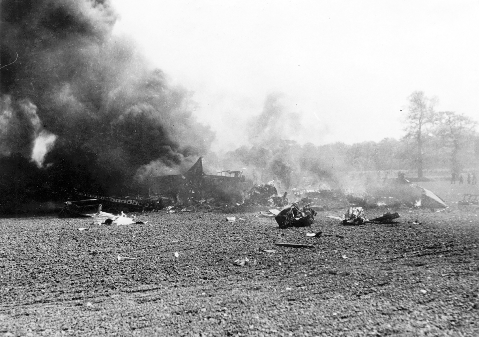 USAAF 41 17988 B 26B Marauder 322BG452BS DRR crashed near home base 14 May 1943 01
