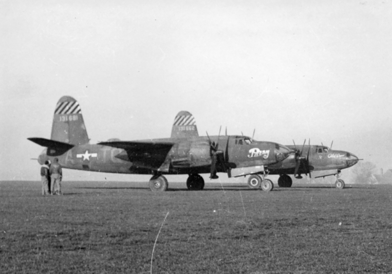USAAF 41 31662 B 26B Marauder 387BG559BS TQX Old Crow foreground England Jan 1944 02