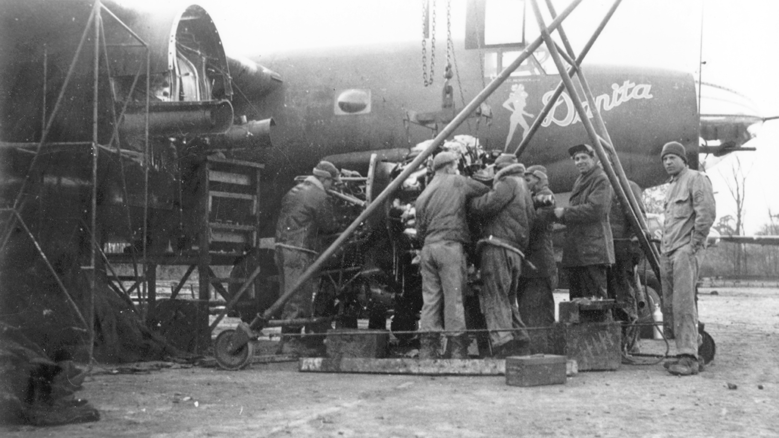 USAAF 41 31706 B 26B Marauder 387BG557BS KSC Danita during engine change England 01