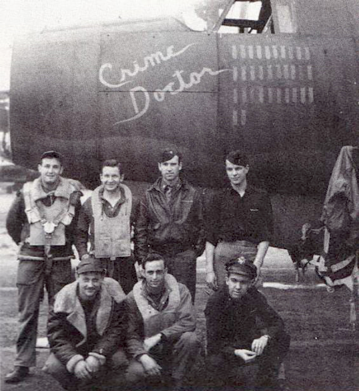 USAAF 41 31902 B 26B Marauder 386BG553BS ANR Crime Doctor with crew at Dunmow Essex 1944 01