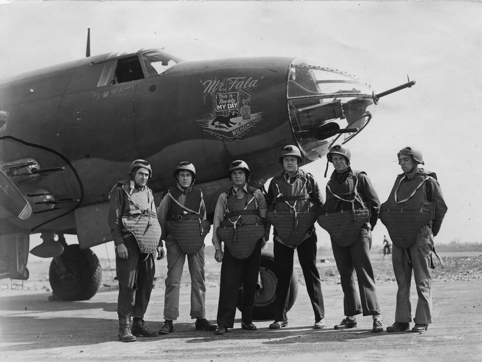 USAAF 41 34692 B 26C Marauder 323BG454BS RIJ Mr Fala with crew England 17 Aug 1943 01A