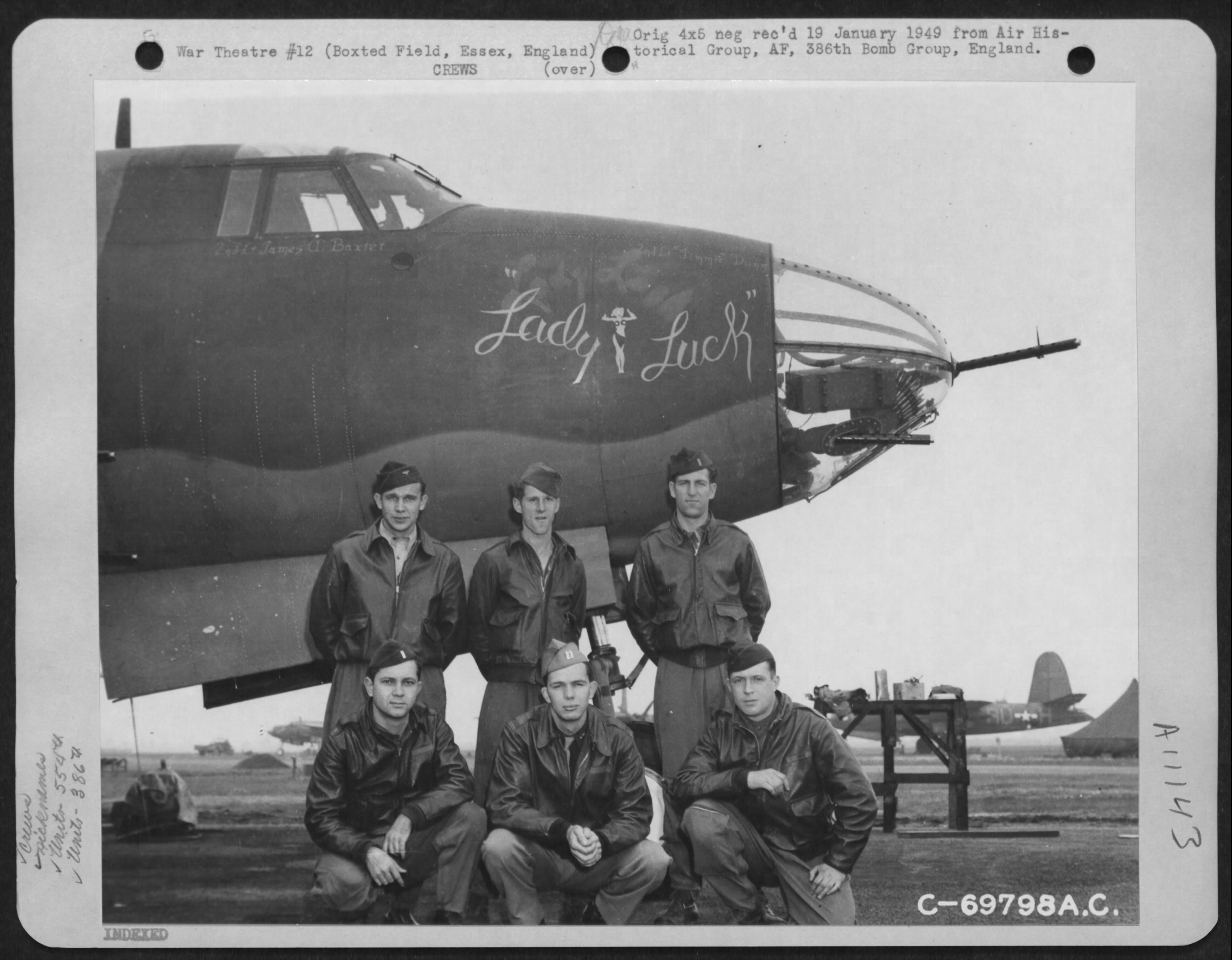 USAAF 41 34947 B 26C Marauder 386BG554BS RUK Lady Luck with crew at their base in Boxted Essex England 12 Sep 1943 02