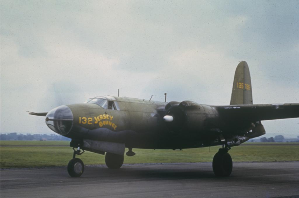 USAAF 41 35786 B 26C Marauder converted to AT 23B Jersey Bounce taxiing Mount Farm 01