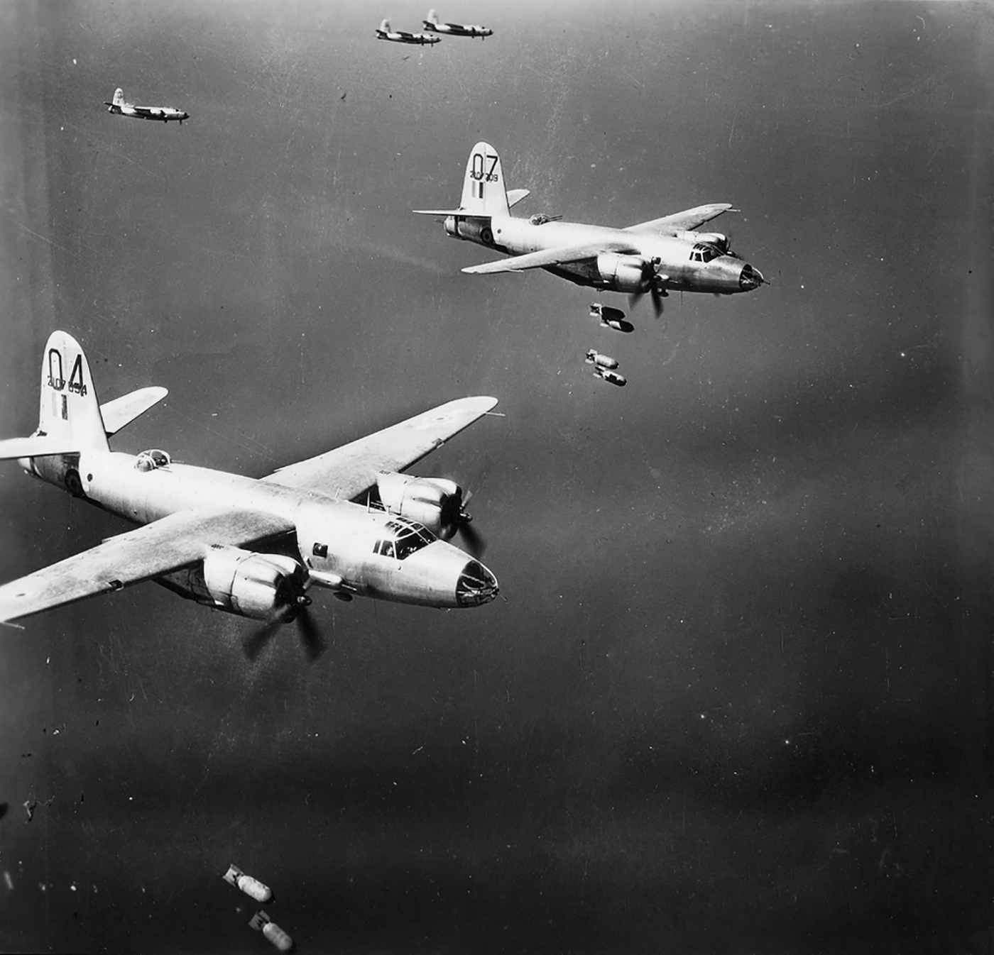 USAAF 42 107709 B 26C Marauder French Airforce 07 over the drop zone 01