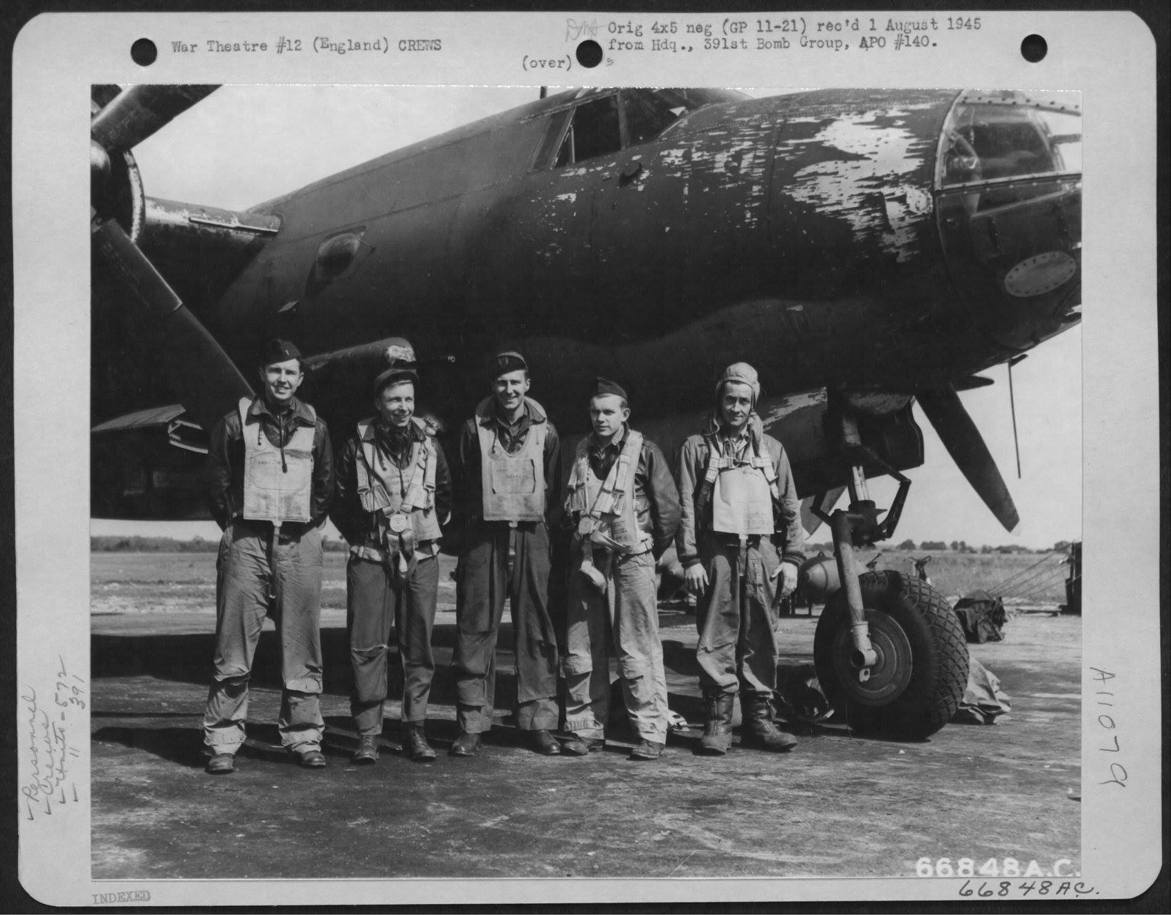 USAAF 42 95830 B 26B Marauder 391BG573BS T6M Calamity Lu with Lt. Blute and crew England 9 Aug 1944 01