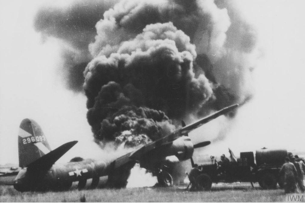USAAF 42 96093 B 26B Marauder 397BG596BS X2V blew tire on takeoff and gear collapsed and burned 28 Jul 1944 01