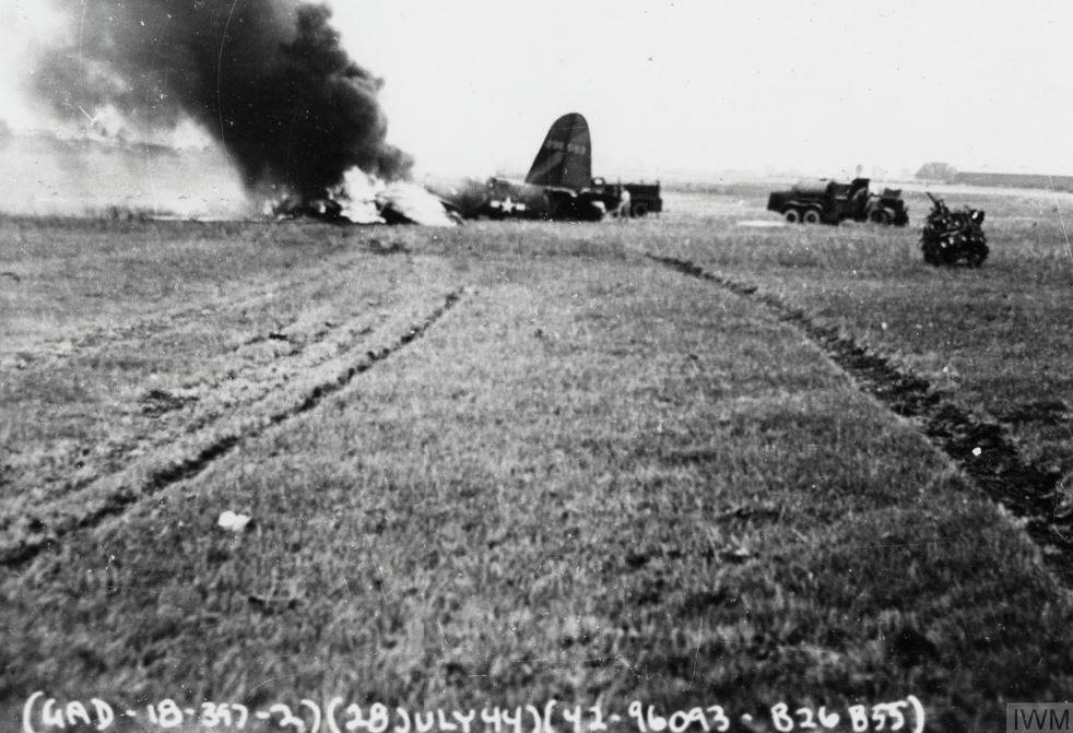 USAAF 42 96093 B 26B Marauder 397BG596BS X2V blew tire on takeoff and gear collapsed and burned 28 Jul 1944 02