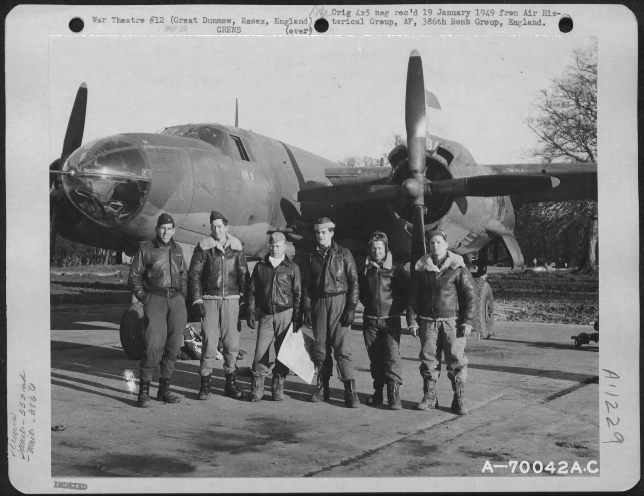 USAAF B 26 Marauder 386BG552BS with crew at their base in Great Dunmow Essex England 14 Sep 1943 01