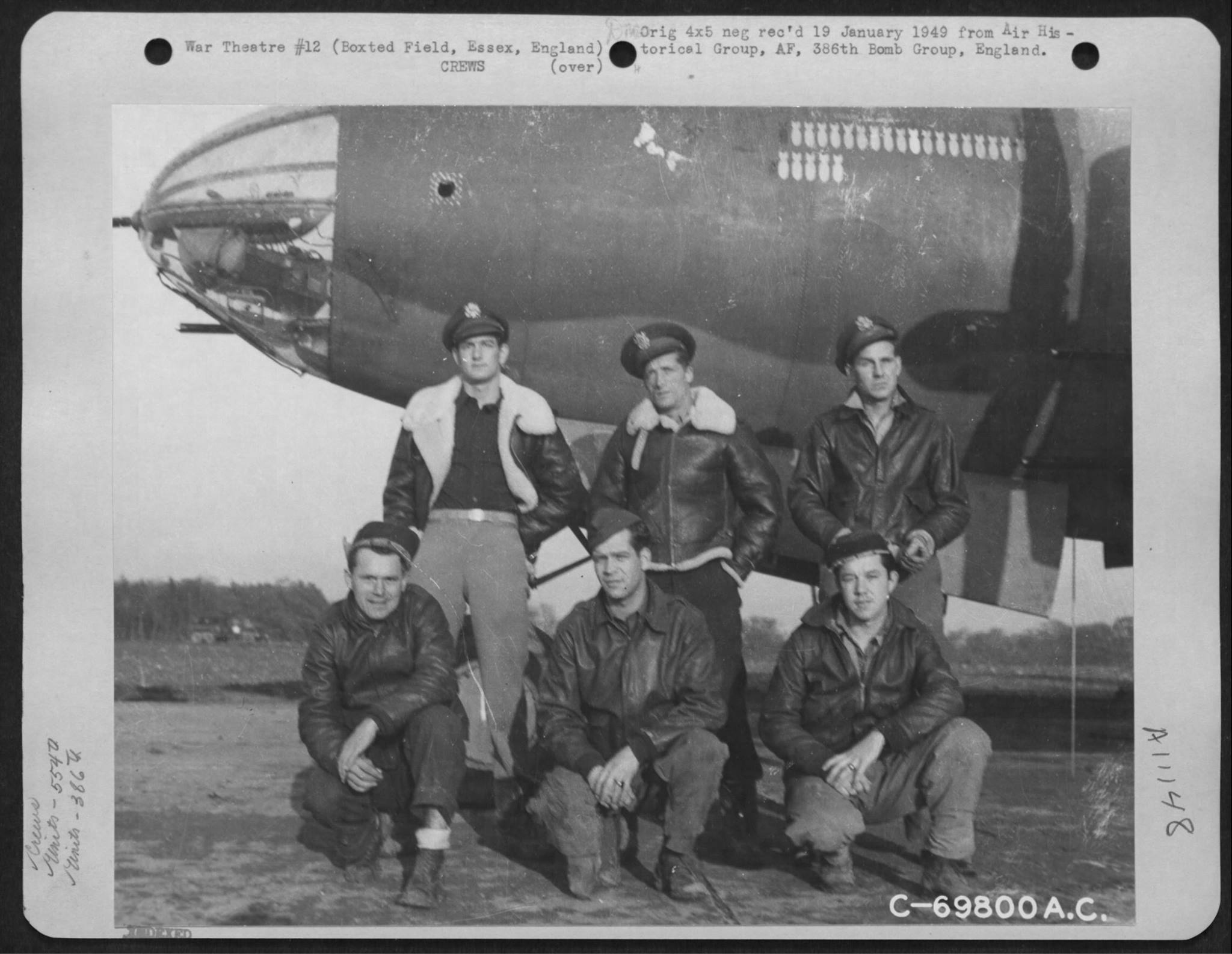 USAAF B 26 Marauder 386BG554BS with crew at their base in Boxted Essex England 12 Sep 1943 01