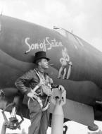 Asisbiz USAAF 41 31613 B 26B Marauder 386BG555BS YAY Son of Satan with LtCol Sherman R Beaty 30 Sep 1943 01
