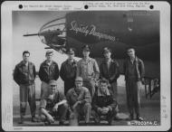 Asisbiz USAAF 41 31741 B 26B Marauder 386BG552BS RGD Slightly Dangerous crew Great Dunmow Essex England 1 Sep 1943 01