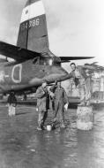 Asisbiz USAAF 41 34786 B 26C Marauder 323BG456BS WTO Buffalo Gal with ground crew England 24 July 1943 04