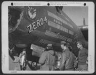 Asisbiz USAAF 41 34868 B 26C Marauder 319BG437BS 04 Zero 4 with crew at Corsica 1944 01