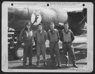 Asisbiz USAAF 42 95932 B 26B Marauder 391BG575BS O8T Fifinella with Lt Jacobi and crew England 28 Aug 1944 01