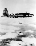 Asisbiz USAAF 42 96200 B 26B Marauder 323BG454BS RJM over the drop zone Normandie 1944 02