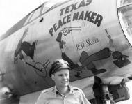 Asisbiz USAAF B 26 Marauder 322BG Texas Peacemaker nose art at Hamme Germany 19 May 1945 01