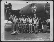 Asisbiz USAAF B 26B Marauder 391BG with Colonel Gerald E Williams and crew England 20 Jun 1944 01