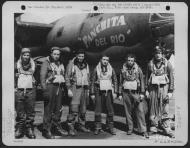 Asisbiz USAAF B 26B Marauder 391BG575BS Panchita Del Rio Lt Willis and crew England 10 Aug 1944 01