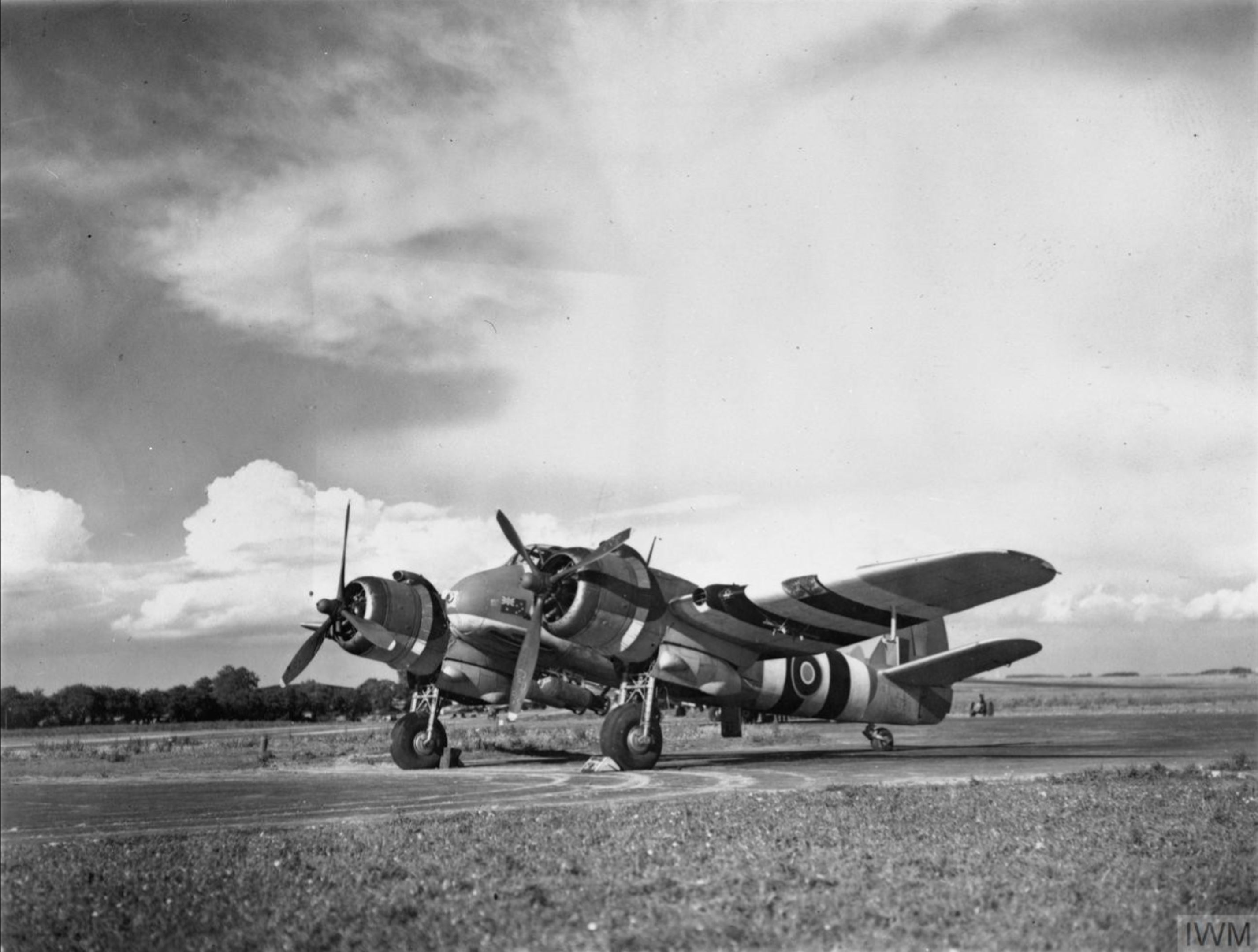 Beaufighter TFX RAAF 455Sqn MBT NE798 based at Langham Norfolk with two 500lb MC bombs IWM MH6451