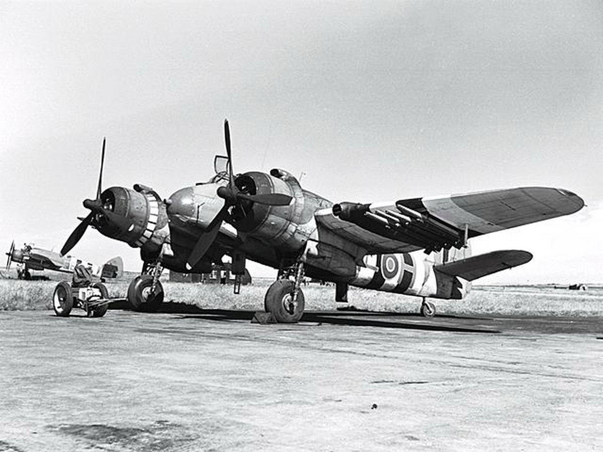 Beaufighter X RCAF 404Sqn EEH NE255 RAF Coastal Command Davidstow Moor 21st August 1944 01