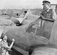 Asisbiz Beaufighter VIF RAF 600Sqn Wing Commander CP Paddy Green at Cassibile Sicily 1942 IWM CNA1182