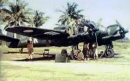 Asisbiz Beaufighter Mk21 RAAF 93Sqn SK A8 173 being serviced in the South East Pacific 01
