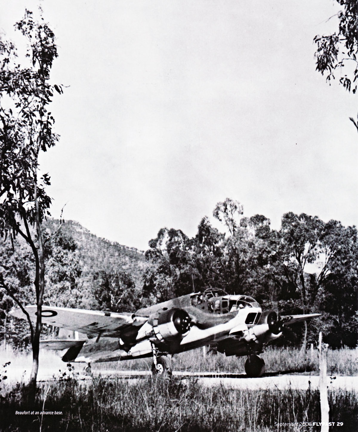 Bristol Beaufort RAAF New Guinea advance base 01