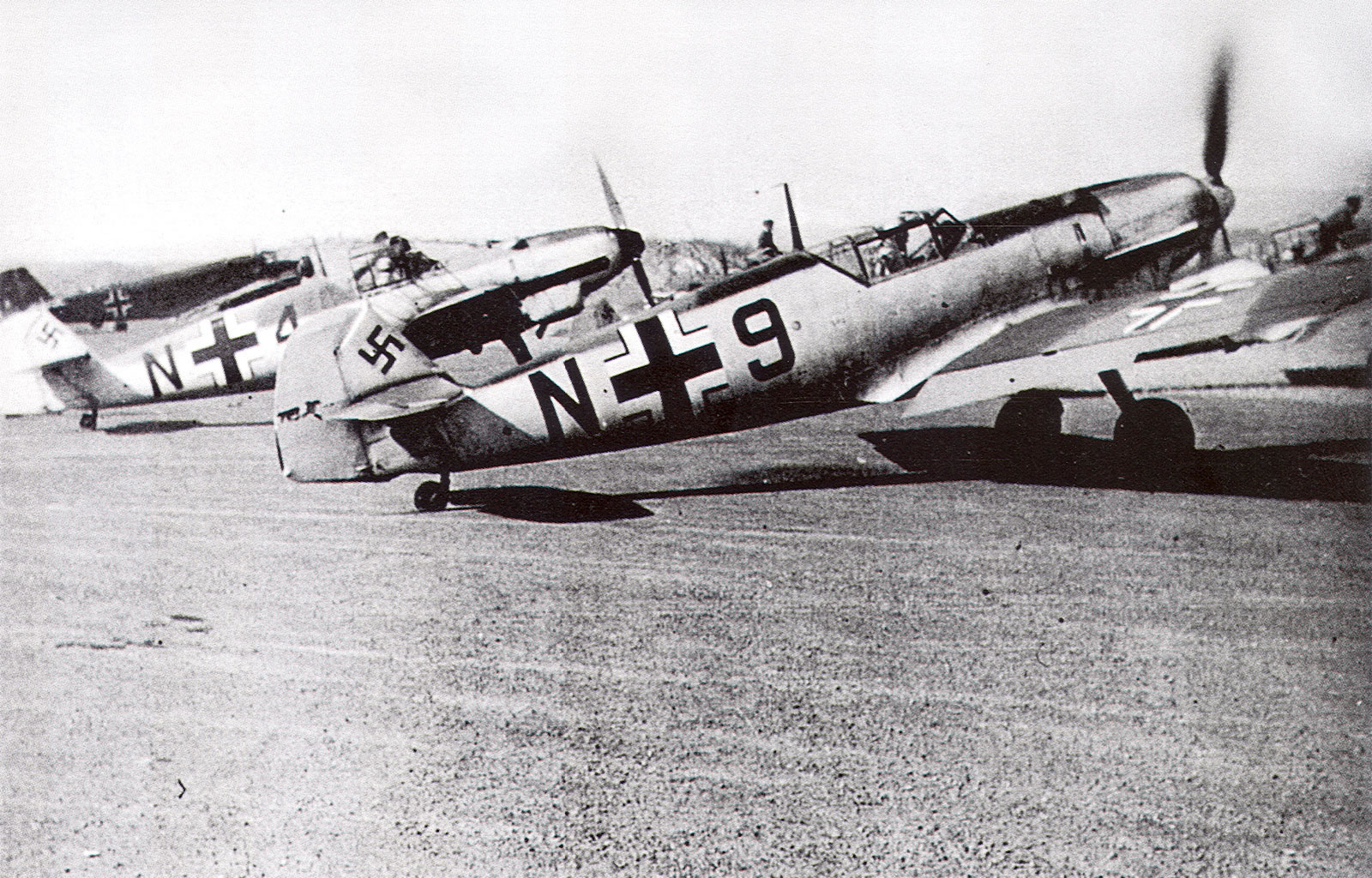 Messerschmitt Bf 109D1 11.(N)JG2 Black N+9 WNr 2079 and N+4 Norway 1940 01