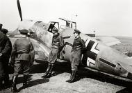 Asisbiz Messerschmitt Bf 109E7Z Stab I.JG2 this maybe Erich Leie WNr 1420 France 29th April 1941 01