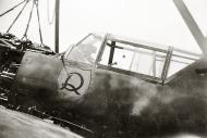 Asisbiz Messerschmitt Bf 109E3 JG2 named Unkraut having an engine change 1940 01
