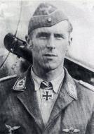 Asisbiz Aircrew Luftwaffe ace JG54 Hannes Trautloft 03