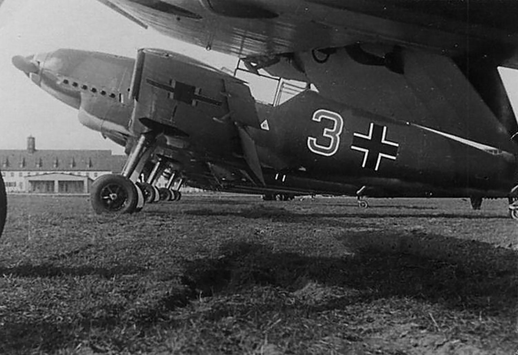 Messerschmitt Bf 109D1 2.JG21 Red 3 Germany 01